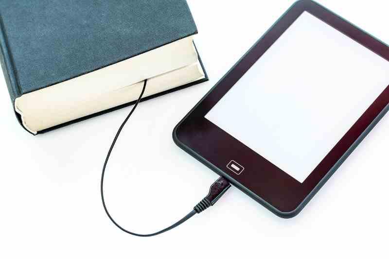 Transformation de l'encre au digital, existe t'il un art des 0 et 1 dans ce monde numérique ?