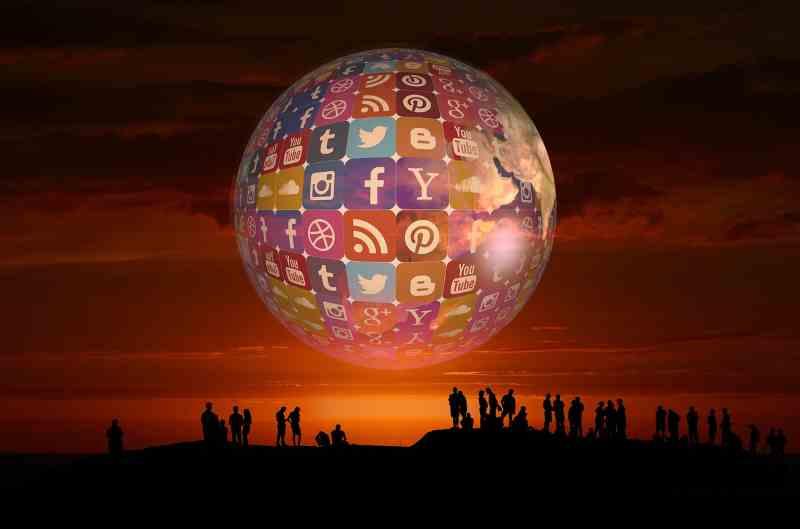 La planete des réseaux sociaux : instagram