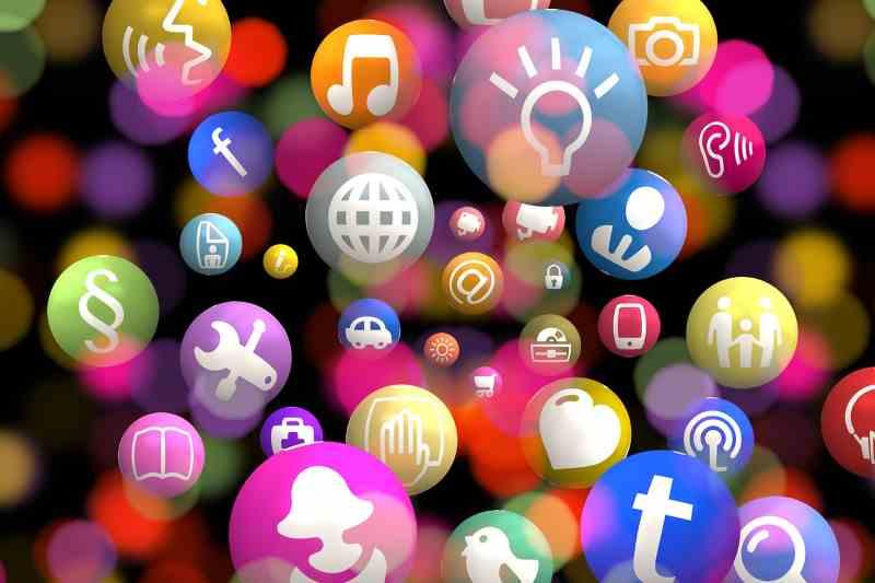 Les autres applications de la communication, instagram, whatsapp, twitter, snapchat