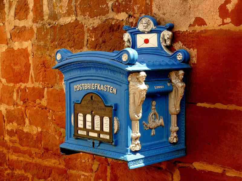 La boite à lettres vers l'email