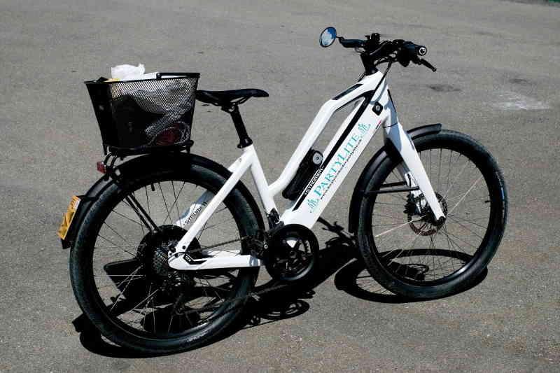 Le vélo électrique un moyen d'avenir pour se déplacer. Il est à la fois pratique, individuel, simple d'utilisation et écologique.